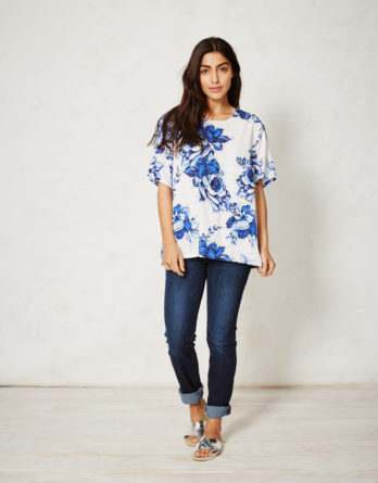 wst2636-mokomo-organic-cotton-tencel-top-delft-blooms-front
