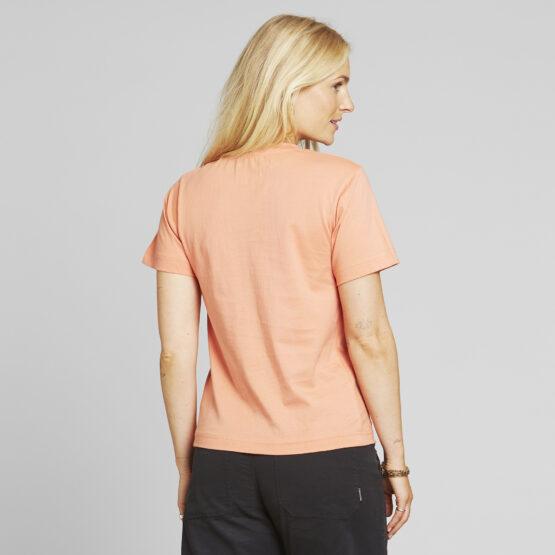 T-Shirt - Dedicated - Biokatoen - Be your own Femme - Koraal