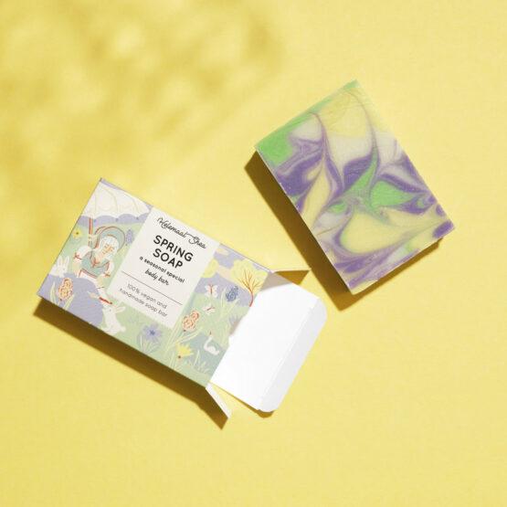 Lente zeep met paarste, gele en groene swirls | Spring Soap - Body Zeep - Helemaal Shea - Natuurlijk & Handgemaakt